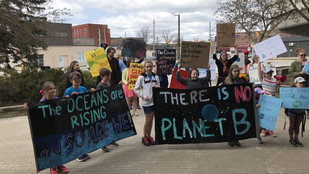 A youth march to city hall on climate change - Country 600